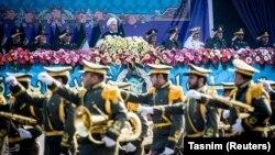 Президент Ирана Хасан Роухани на параде в День Вооруженных сил Ирана. Тегеран, 18 апреля 2018 года