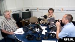 Валерий Зубов, Андрей Колесников и Михаил Соколов в студии Радио Свобода