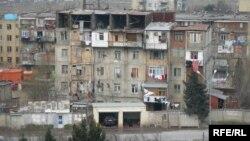 Bakı Dövlət Universitetinin yataqxanalarından məcburi köçkünlərin köçürülməsinə başlanılıb.