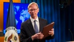 برایان هوک میگوید هدف آمریکا این است که سیاست خارجی ایران را گران کند و هزینههای توسعه طلبی ایران را به شدت افزایش دهد.