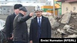Оштун жаңы мэри Кадырбаев көпүрө курулушу менен таанышууда. 22-февраль, 2014.