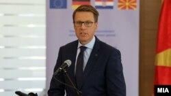 Евроамбасадорот Самуел Жбогар