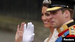 Уильям и Кейт во время их свадебной церемонии, апрель 2011 года