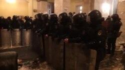 Будівлю Харківської ОДА прибирають після штурму