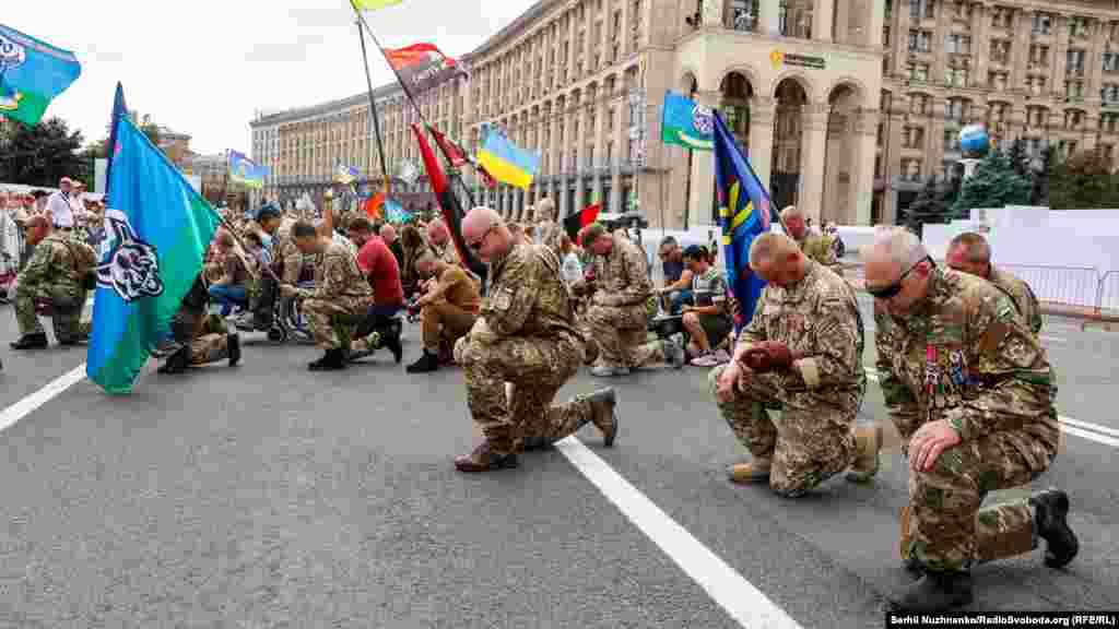 На майдані Незалежності вшановують пам'ять Героїв Небесної сотні