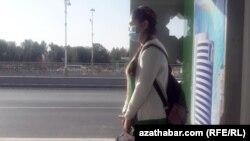 Ношение масок является обязательным в общественных местах. Ашхабад, 2020