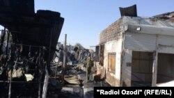 Сгоревшие магазины на рынке «Корвон».