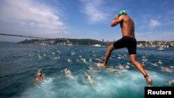 Ежегодный межконтинентальный заплыв через Босфор, 7 июля 2013 г.