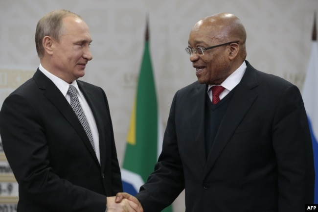 Владимир Путин и Джейкоб Зума на саммите BRICS в Уфе. Июль 2015 года