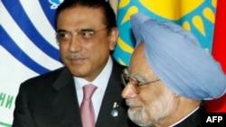 Pakistani President Asif Ali Zardari and Indian Prime Minister Manmohan Singh met on the summit's sidelines.
