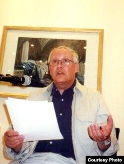 Дмитрий Бобышев на выступлении