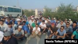 Протест рабочих бурового предприятия «Бургылау». Жанаозен, 28 июля 2016 года.