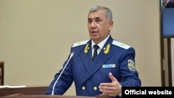 Ўзбекистон Бош прокурори Ниғматулла Йўлдошев Сенатнинг тўртинчи ялпи мажлисида, Тошкент, 2020 йил 11 майи.