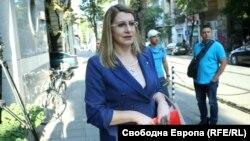 Правосъдният министър Десислава Ахладова разговаря с някои от магистратите