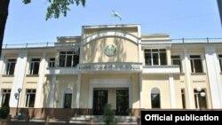 Здание Минздрава Узбекистана.
