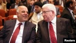 رئيس الجمهورية فؤاد معصوم ورئيس الوزراء حيدر العبادي في جلسة لمجلس النواب.