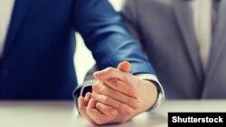 U Hrvatskoj je 2014. godine donesen Zakon o životnom partnerstvu koji omogućuje legalizaciju istospolne veze sa gotovo svim pravima kao i klasični brak