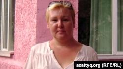 Қала тұрғыны Светлана Пьянова. Алматы, 2012 жылдың тамызы.