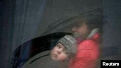 Иллюстративное фото. Ребенка вывозят из Дебальцево