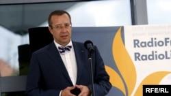 Азатлык радиосының яңа бинасын ачу тантанасына килгән кунаклар арасында Эстония президенты Тоомас Һендрик Илвес та бар иде
