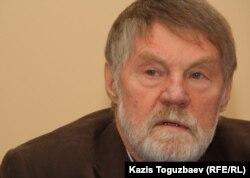 Қазақстандағы орыс қауымдастығының басшысы Юрий Бунаков. Алматы, 13 қазан 2011 жыл.