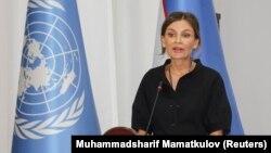 Лола Каримова-Тилляева выступает с речью на Международной научно-практической конференции «Центральноазиатский Ренессанс в истории мировой цивилизации». Самарканд, 28 августа 2017 года.