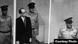 Адольф Эйхман во время судебного процесса в Израиле.