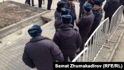 Сотрудники милииции. Бишкек. Иллюстративное фото.