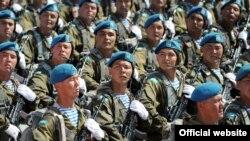 Отан қорғаушылар күнінде өткен әскери парад. Астана, 7 мамыр 2015 жыл.