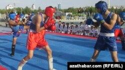 Türkmen boksçylary. Arhiw suraty