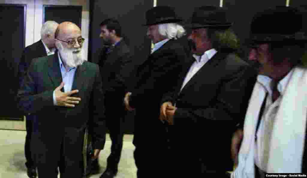 حضور مردان کلاهمخملی در جمع اصولگرایان.
