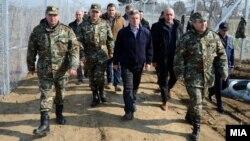 Архивска фотографија: Претседателот Ѓорге Иванов во посета на границата со Грција