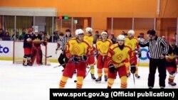 Кыргызстандын хоккей боюнча улуттук курама командасы Кышкы Азия оюндарында. Жапония. Саппоро шаары. 22-февраль, 2017-ж.