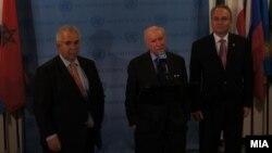 Архивска фотографија: Средба на посредникот за спорот за името амбасадорот Метју Нимиц со претставниците на Македонија, амбасадорот Зоран Јолевски, и на Грција, Адамантиос Василакис во Њујорк.