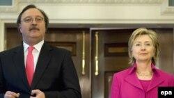 ԱՄՆ - Հիլարի Քլինթոնը հանդիպում է Գրիգոլ Վաշաձեի հետ, 14-ը ապրիլի, 2009