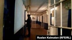 Кыргызстандагы түрмөлөрдүн бири.