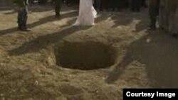 آرشیف، سنگسار یک خانم در افغانستان