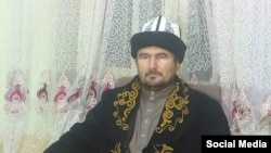 Эминуллах Курманалы уулу.