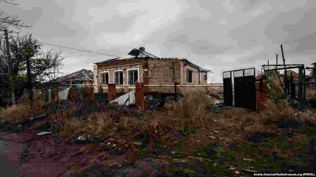 Краєвиди селища – гнітючі. Жодної неушкодженої хати у селі немає