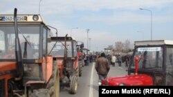 Poljoprivrednici blokirali granični prelaz između Hrvatske i BiH