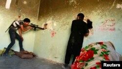 """""""Эркин Сирия"""" армиясынын жоокерлери. 23-июль, 2013-жыл"""