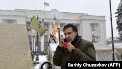 Mikheil Saakashvili düşərgədə