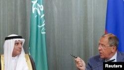 Глава МИД Саудовской Аравии Адель аль-Джубейр (cлева) и министр иностранных дел России Сергей Лавров. Москва, 11 августа 2015 года.