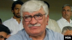 اسفندیار ولي خان