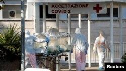 Spitalul Spallanzani din Roma, secția specială pentru cei care suferă de Covid-19, 17 martie 2020