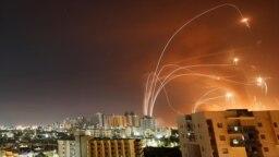 رهگیری راکتهای شلیکشده به سمت اسرائیل توسط پدافند «گنبد آهنین»، آشکلون، ۲۱ اردیبهشت