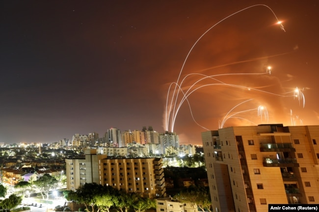 Ізраїльська протиракетна система «Залізний купол» в дії, 12 травня 2021 року