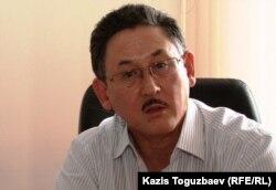 Central Asia Monitor газетінің бас редакторы Бигелді Ғабдуллин. Алматы, 6 тамыз 2010 жыл.