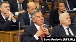 Milo Đukanović u parlamentu 25.januara