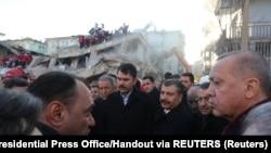 Redžep Tajip Erdoan u Elazigu nakon zemljotresa